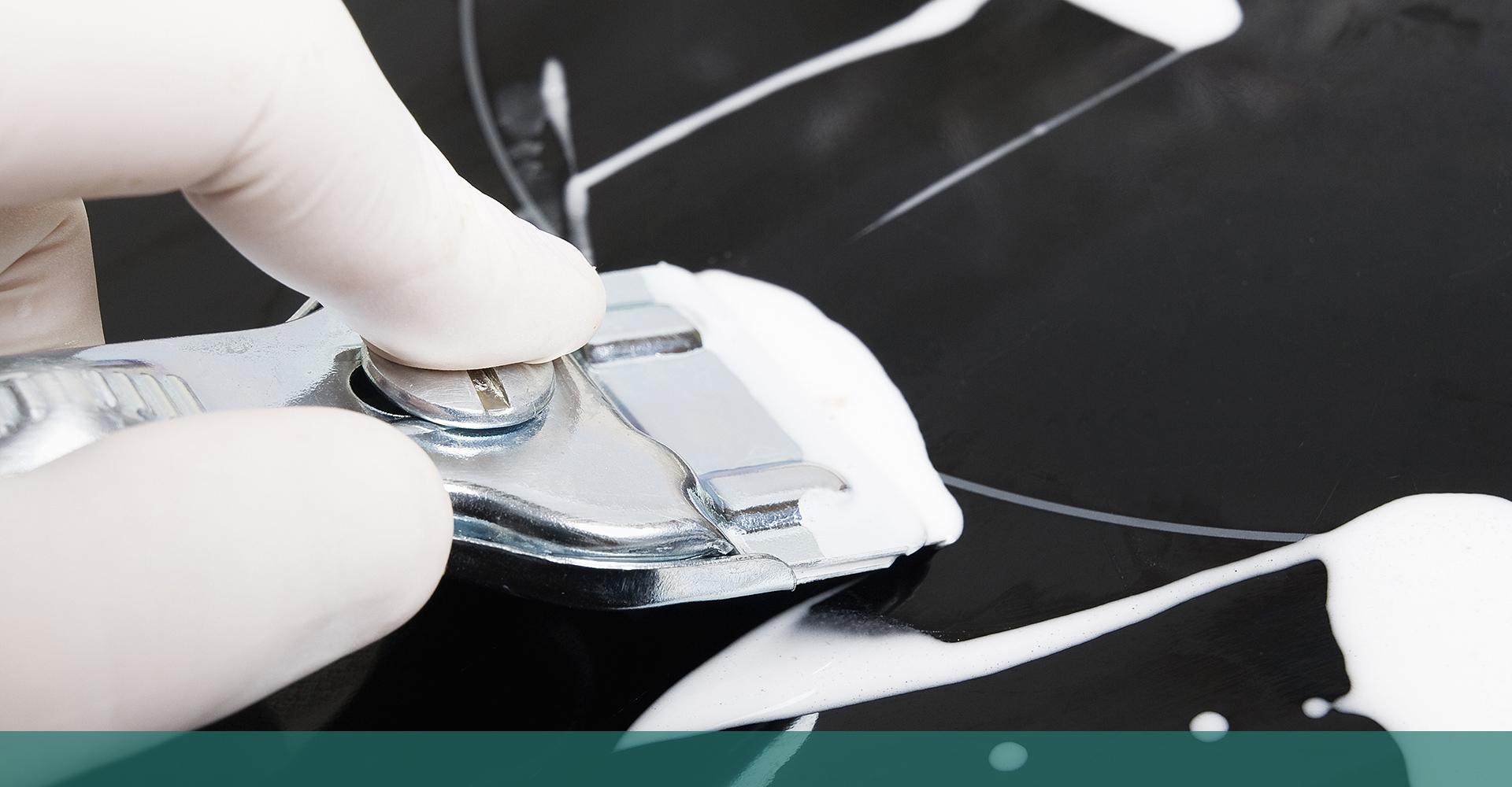 Cum se curăță corect o suprafață din sticlă vitroceramică?